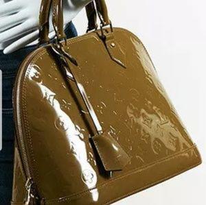 Louis Vuitton alma pm 🎉🎉🎉sale 🎉🎉🎉